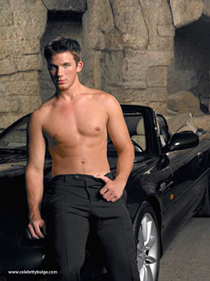 Matt Lanter bulge